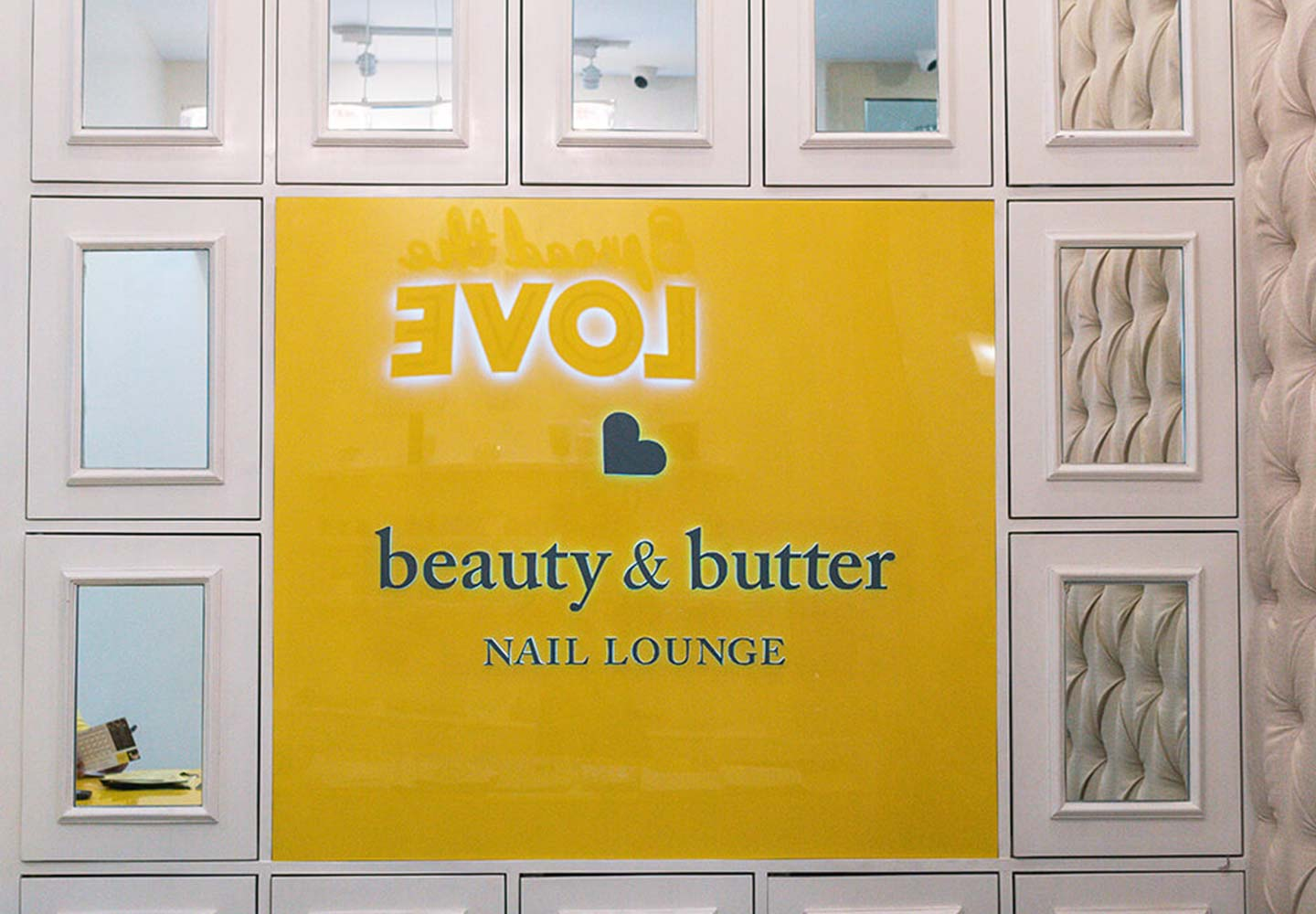 Brand Consultancy in Lifestyle Industry. Logo design for Beauty & Butter